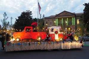 MHS Art Float Wins Christmas Parade Grand Prize